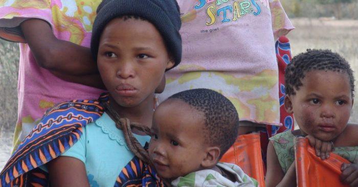 afrikai anya es gyermeke