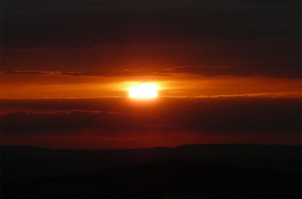 Esteledik, a nap már lemenőben