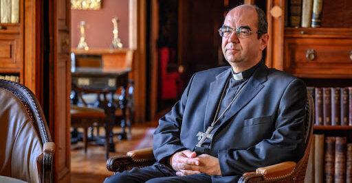 Püspök atya verset mond